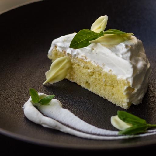 White Chocolate Cake-1
